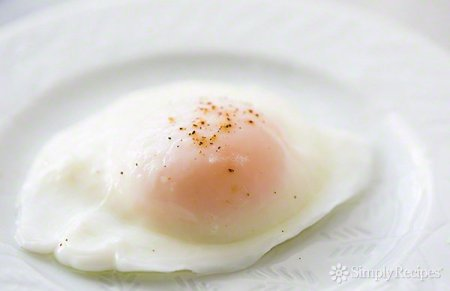 easy-poached-eggs-600